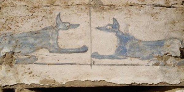 Обнаружено загадочное египетское захоронение с бессмысленными иероглифами