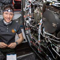 НАСА: Астронавты на МКС все еще используют эту технологию 19-го века