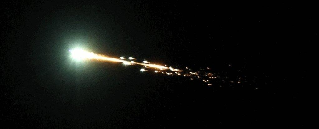 Огненный шар, замеченный над австралийской пустыней — оказался очень редкой «Минилуной»