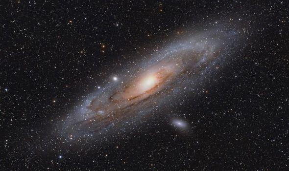 В глубинах самой старой галактики Вселенной обнаружен «святой Грааль» астрономии