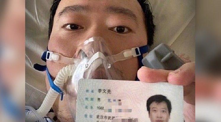 Китайский врач, поднявший тревогу по поводу распространения коронавируса, умер, а вспышка продолжается