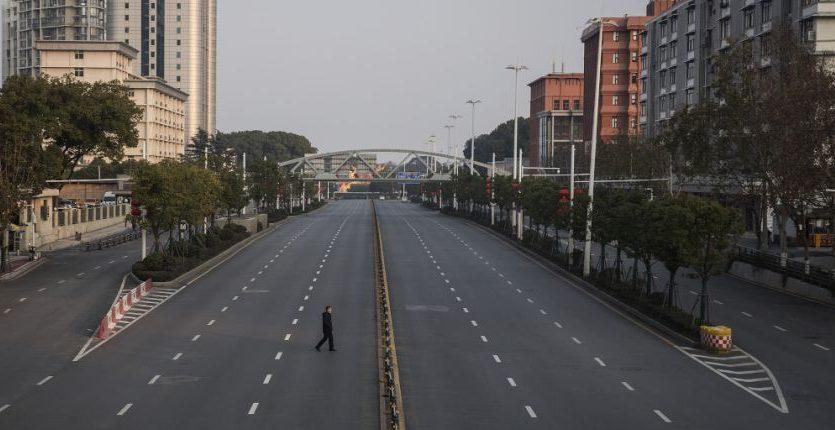 Уникальные кадры: Ухань — город-призрак на фоне самого масштабного карантина в истории