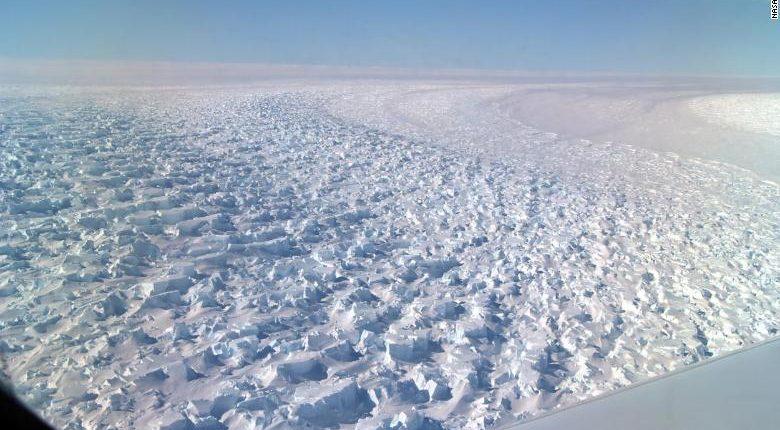 Гигантский ледник в Антарктиде тает, это может поднять уровень моря на 1,5 метра