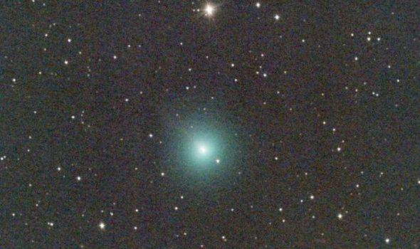 К орбите Земли приближается еще одна комета
