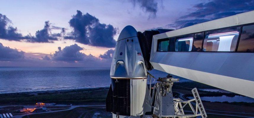SpaceX впервые отправляет людей в космос — онлайн-трансляция