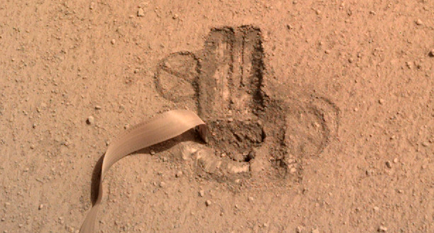 Марсианский крот НАСА официально «окопался»