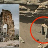 Уфолог сбит с толку «инопланетной аркой» обнаруженной на марсианских снимках NASA