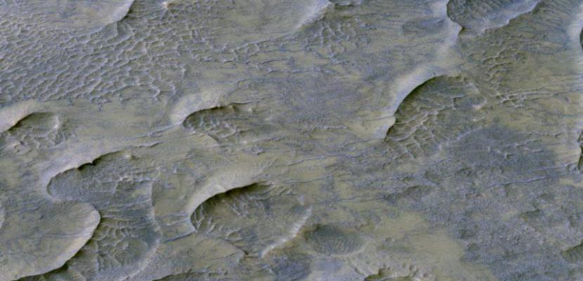 НАСА обнаружило сохранившиеся на Марсе песчаные дюны, которым миллиард лет, и они выглядят знакомо