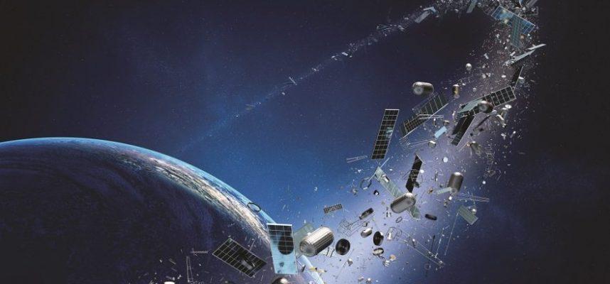 Проблема космического мусора усугубляется, и есть взрывоопасный компонент