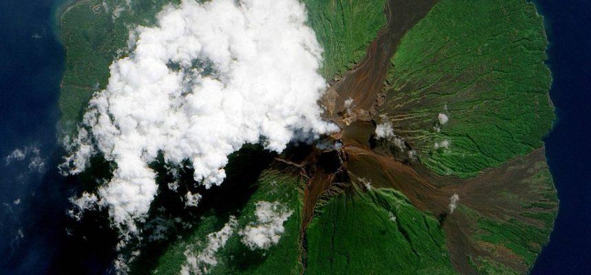 Дроны отправляются прямо в вулканы для прогнозирования извержений
