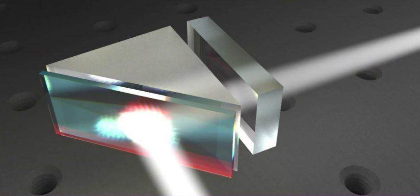 Физикам удалось отправить световые волны назад во времени