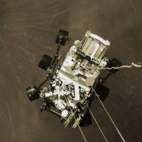 Марс в цвете: марсоход Perseverance отправляет на Землю первые цветные снимки