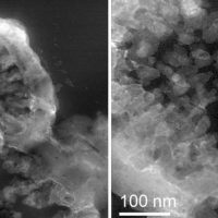 Ученым удалось вырастить микробную жизнь на марсианском камне