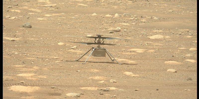 Посмотрите, как вертолет Mars Ingenuity проверяет свои лопасти!