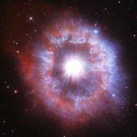 Захватывающий дух новый снимок телескопа Хаббл - гигантская звезда на грани коллапса