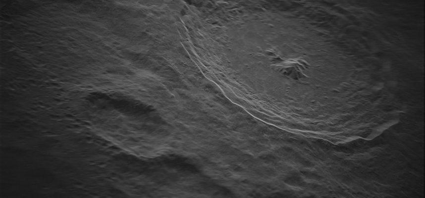 Новый снимок кратера Тихо на Луне настолько детализирован, что едва ли кажется реальным